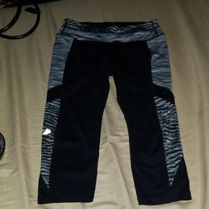Free 2 Be, Capri yoga workout pants M